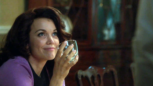 redeye-scandal-star-bellamy-young-drunk-mellie-001